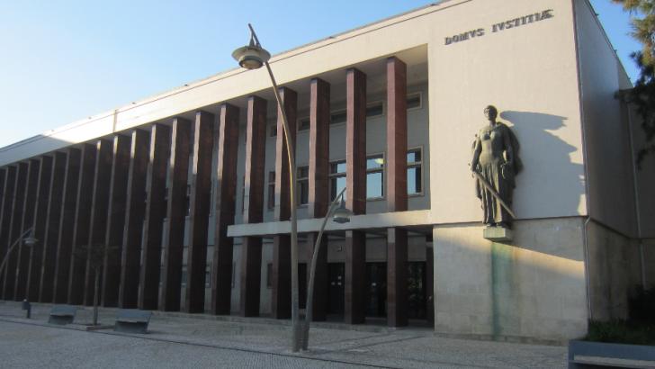 Resultado de imagem para Tribunal de Aveiro começa a julgar militares da GNR acusados de tortura